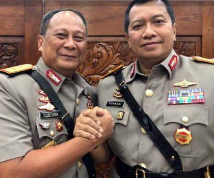 Brigjen Polisi Purwadi Arianto (kanan) dan mantan Kapolda Lampung Irjen Suntana