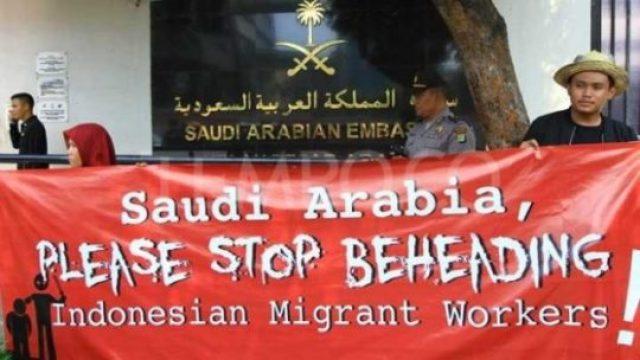 Aktivis Buruh Migran saat melakukan aksi Mengutuk dan Menolak Hukuman Mati di depan Kedutaan Besar Arab Saudi, Jakarta, 20 Maret 2018. TEMPO/Subekti.
