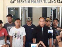 Kapolres Tulangbawang, AKBP Raswanto Hadiwibowo saat berikan keterangan terkait penangkapan empat pelaku warga Lebak, Banten yang miliki 54 ribu bibit lobster tanpa dilengkapi dokumen resmi.