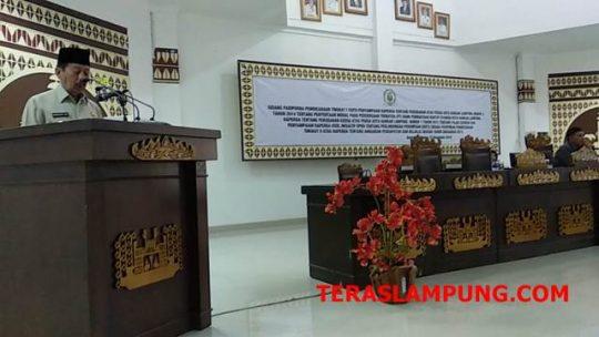 Walikota Herman HN memberikan sambutan di acara Sidang Paripurna DPRD.