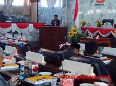 Bupati Agung Ilmu Mangkunegara dalam sidang paripurna DPRD Lampung Utara