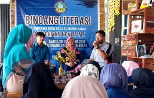Duta Baca Sumatra Barat Mardhiyan Novita MZ berkunjung ke Ruang Baca Rimba Bulan, Padang Panjang