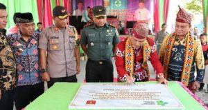 Bupati Lampung Barat Parosil Mabsus meresmikan Gedung Puskesmas Rawat Inap Kenali, Kamis, 14 Maret 2019.