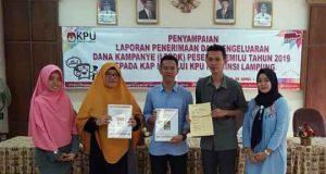 Pengurus PKS Lampung melaporkan dana kampanye Pemilu 2019 di Kantor KPU Lampung, Selasa, 30 April 2019,
