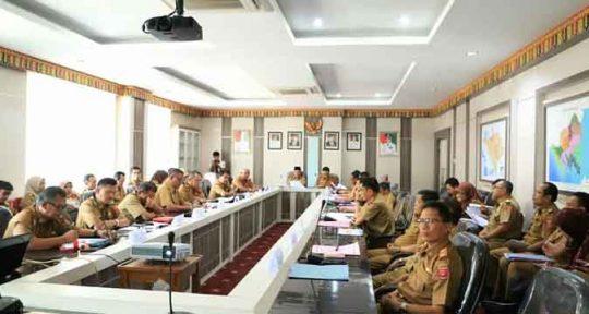 Rapat dan presentasi Rencana Kerja (Renja) 2020 di Ruang Rapat Pesagi,Pemkab Lampung Barat, Senin (27/5).