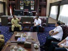 Gubernur Lampung menerima kunjungan Direktur Utama PT Semen Baturaja (Persero) Tbk Jobi Triananda Hasjim. di Ruang Kerja Gubernur Lampung, Senin (17/6/2019).