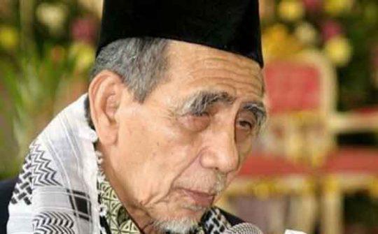 K.H. Maimoen Zubair (okzone.com)