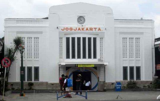 Stasiun Tugu, Yogyakarta (Foto: wikipedia.org)