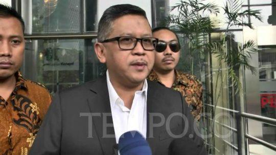 Sekretaris Jenderal Partai Demokrasi Indonesia Perjuangan Hasto Kristiyanto di gedung KPK, Jumat 24 Januari 2020. Tempo/ Fikri Arigi.