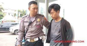 A pelaku pencurian helm di parkiran Pemkot Bandarlampung.