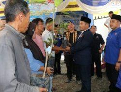 DPD Partai Nasdem Lampung Selatan Tanam 500-an Pohon di Desa Palembapang