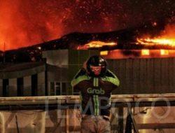 Demo Omnibus Law UU Cipta Kerja, Gedung Bioskop Grand Theater Senen Terbakar