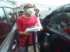 Alfin Andiran (24) tersangka penusukan pendakwah kondang Syekh Ali Jaber saat pelimpahan di Kejaksaan negeri (Kejari) Bandarlampung, Senin (26/10/2020).