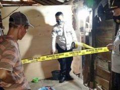 Polisi melakukan olah TKP di rumah pelaku dan juga korban di Pekon Batutegi, Kecamatan Airnaningan, Tanggamus yang menjadi tempat penganiayaan. (Foto: Humas Polsek Pulau Panggung)