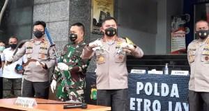 Kapolda Metro Jaya Irjen Fadil Imran jelaskan soal 6 pengikut Habib Rizieq ditembak hingga tewas di Tol Jakarta-Cikampek. Foto: detik.com