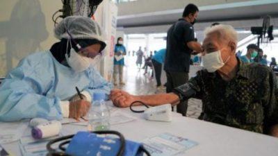 Menkes Dukung Layanan Sentra Vaksinasi oleh Traveloka di Bandara Soetta