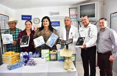 Equipan centros de salud de La Reforma y Costa Azul