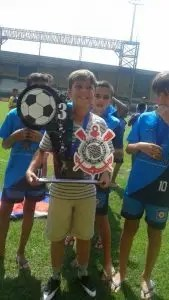 Miguel conquistou, junto com os colegas do Friburguense, o 3º lugar na categoria Sub-11 da 1ª Copa Corinthians (Interestadual) de Futebol de Campo 2016