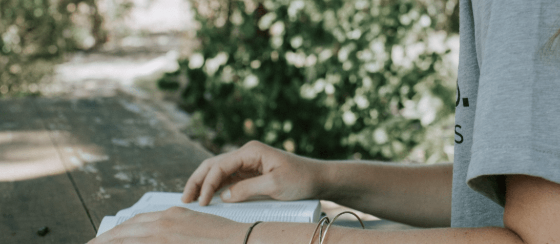 20 Women in Scripture You Need to Know || Learn about 10 women from the Old Testament and 10 from the New Testament — who they were, how they they were used by the Lord, and what we can learn from them as we seek to grow in our faith.