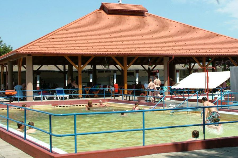 Eldugott termálok és élményfürdők sokasága Somogy megyében