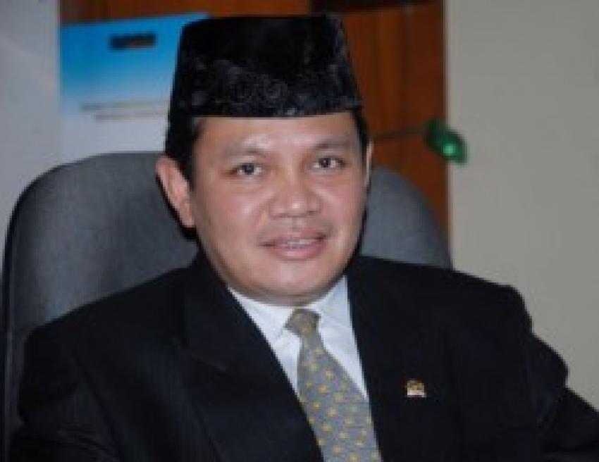 58medium_9Khotibul Umam Wiranu.jpg