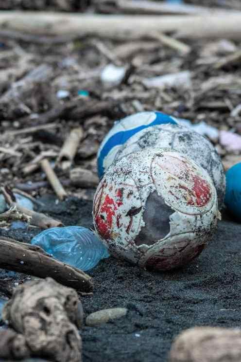 Alina Bertolone, Il destino di un pallone