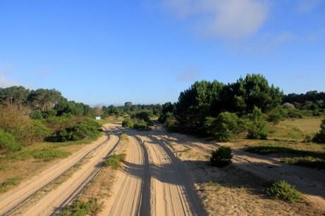Estrada de areia para o vilarejo