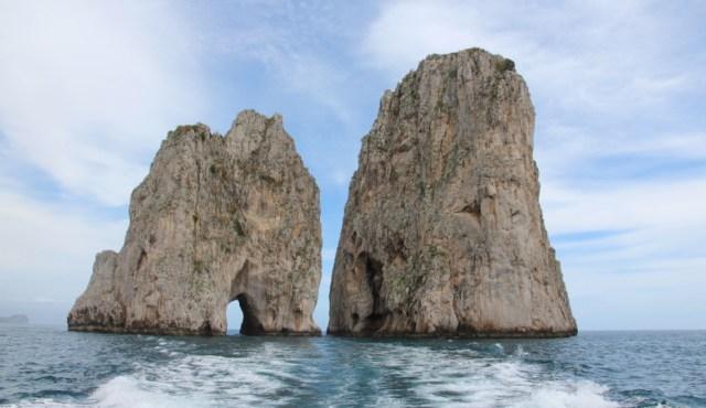 Gli indimenticabili faraglioni di Capri