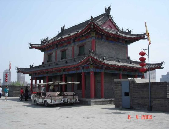 Discover Xian-City-Wall- on foot or vehicles and bicycles are for hire