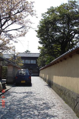 The mud walls of Nagayamon gates (row house gates) Samurai House District