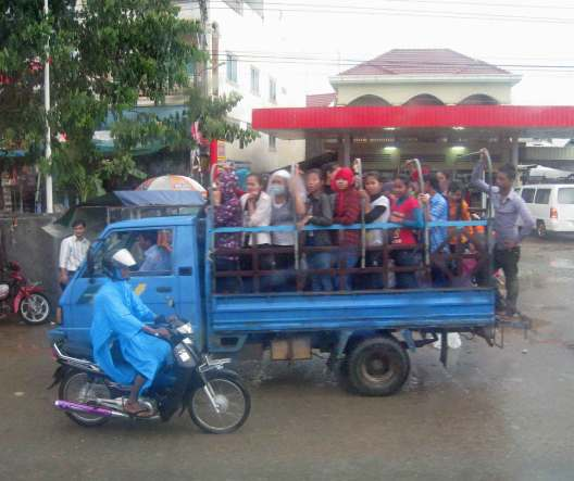 Workers from the Garment Factories on their way home