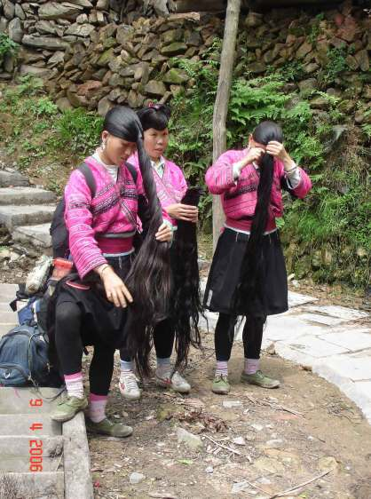 Yao-Women-displaying-their-