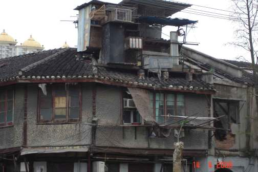 Ramshackle old house with Pigeon Loft - Old Chinese Quarter Shanghai