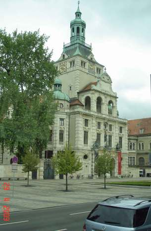 sightseeing-Bavarian-Museum Munich romantic road  Germany