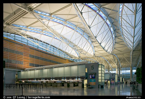 Main hall, San Francisco International Airport. SF Bay area, California, USA (color)