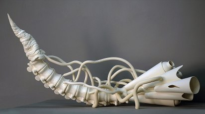 Finding, white clay, 90 x 45 x 45 cm (2015)