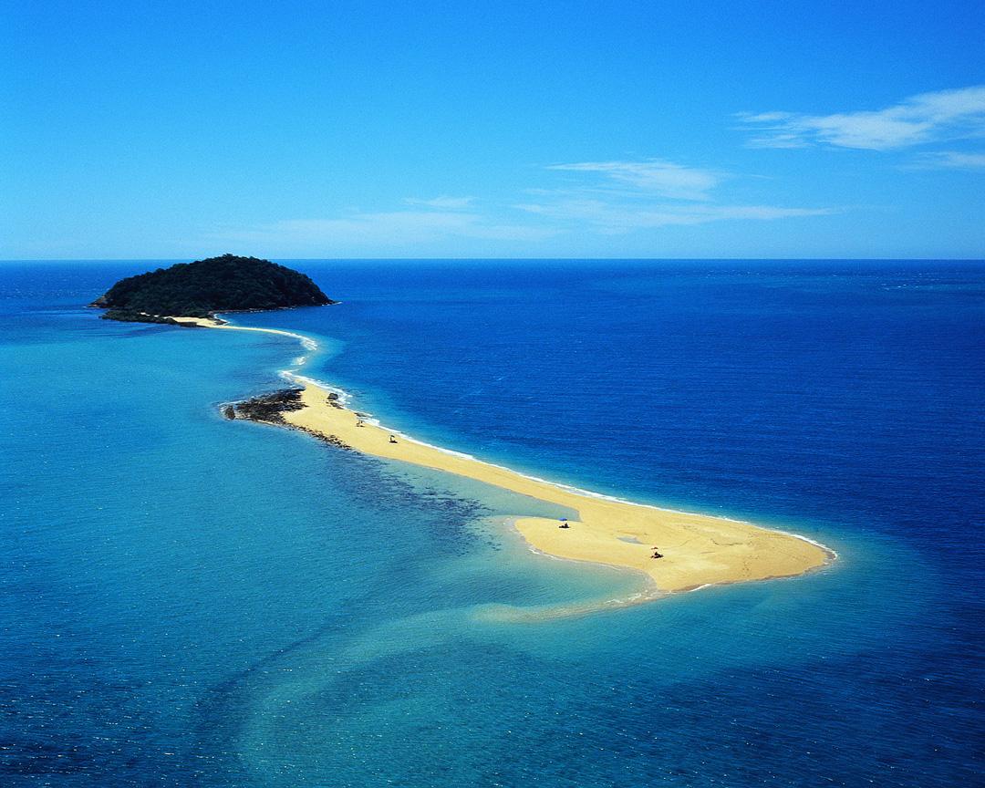 Issue 21 | Islands + Archipelagos