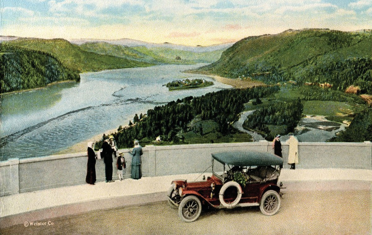 Vintage image of Crown Point vista