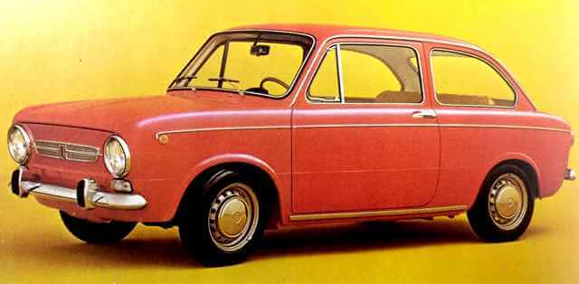 SEAT 850 rojo de dos puertas.