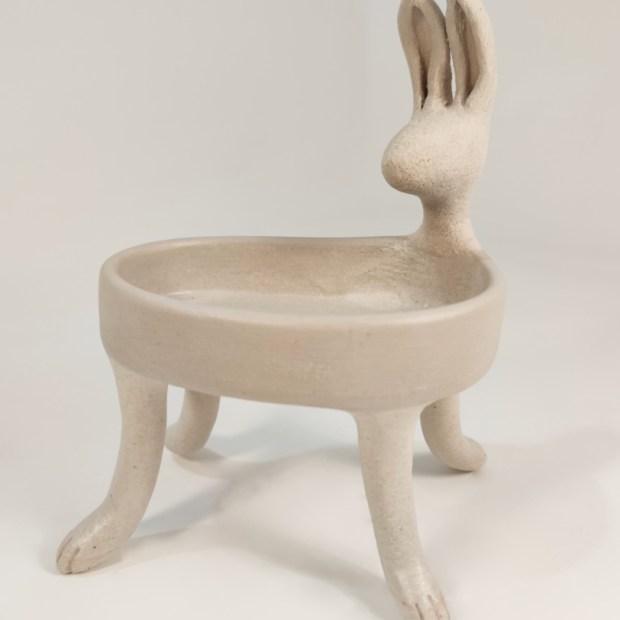 Baigneuse lievre4   Hilde Segers   La baigneuse   Produit   75,00€   6618   Sculpture en grès blanc   Circaterra Céramique - Hilde Segers   Terre et Terres   10 décembre 2020