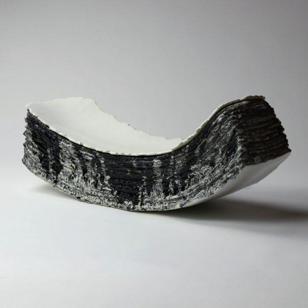 Entre2mondes 3 scaled | Eric Faure | Entre deux mondes | Produit | 685,00€ | 7254 | Sculpture en grès porcelainique et porcelaine émaillés | Eric Faure | Terre et Terres | 20 décembre 2020