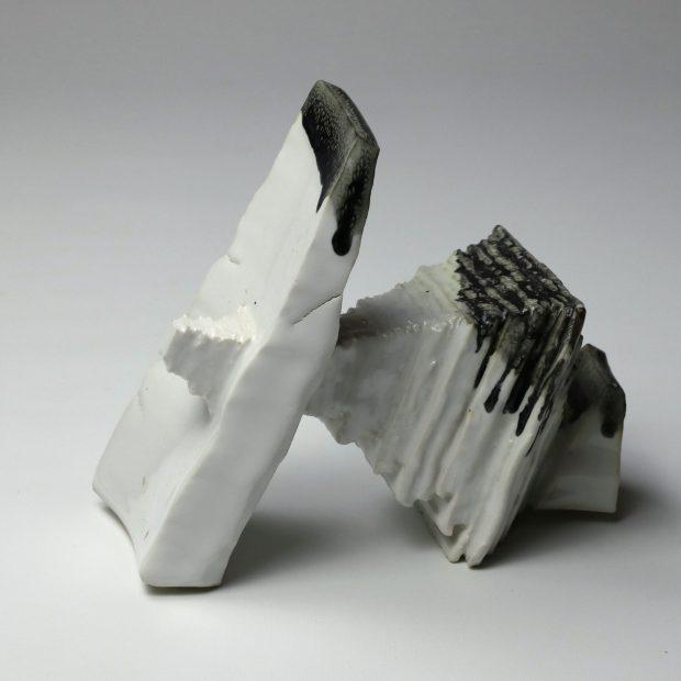 StoneWar 2 1 scaled | Eric Faure | StoneWar 2 | Produit | 120,00€ | 7241 | Sculpture en porcelaine émaillée | Eric Faure | Terre et Terres | 10 décembre 2020