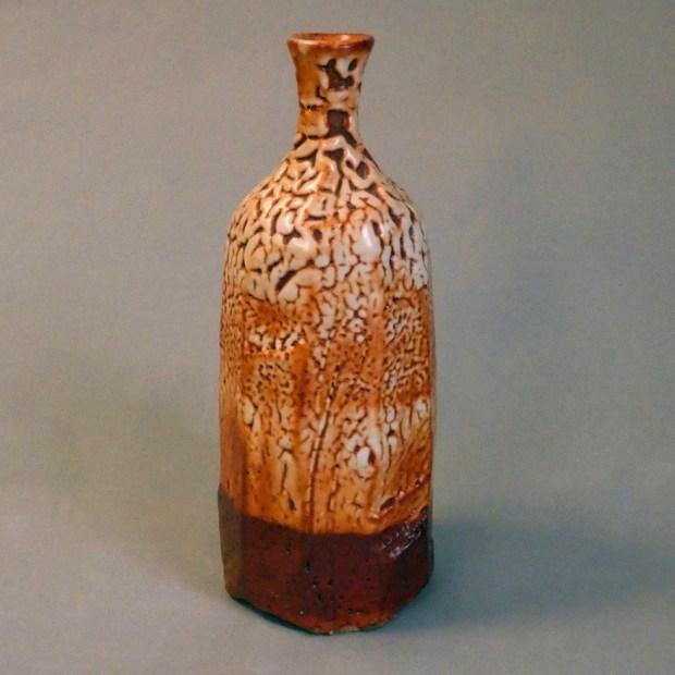 """bouteille1 1   Pascal Geoffroy   vase bouteille   Produit   120,00€   7921   vase bouteille en grès, cuisson au four à gaz en réduction, superposition de couvertes """"shino""""   Pascal Geoffroy   Terre et Terres   4 janvier 2021"""
