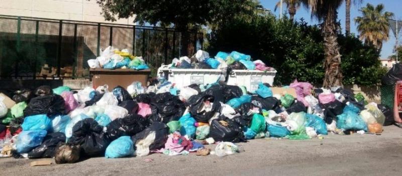 Emergenza rifiuti a Brindisi. Foto di Brindisitime.it