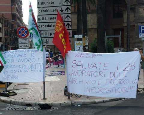 La protesta dei lavoratori del Protocollo e archiviazione della Provincia di Taranto