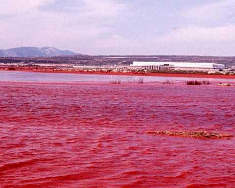 Portoscuso, bacino fanghi rossi, bauxite Portovesme