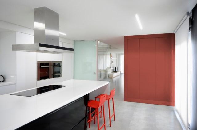 convertir un espacio vacío en vivienda dúplex.cocina 2