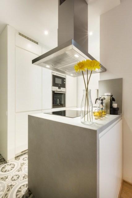 decoración de cocinas pequeñas en blanco