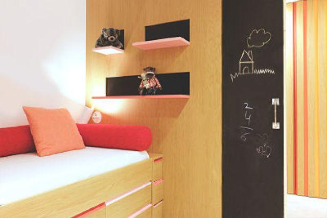 dormitorio niña de vivienda funcional y acogedora