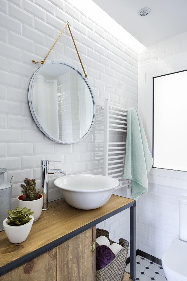 Decoración de baño de estilo nórdico industrial